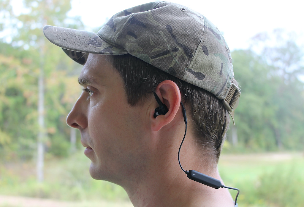 picture of axil gs extreme earbuds review wearing
